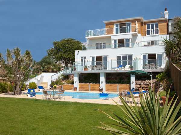 Self catering paignton holiday apartments offers for Luxury holiday rentals uk